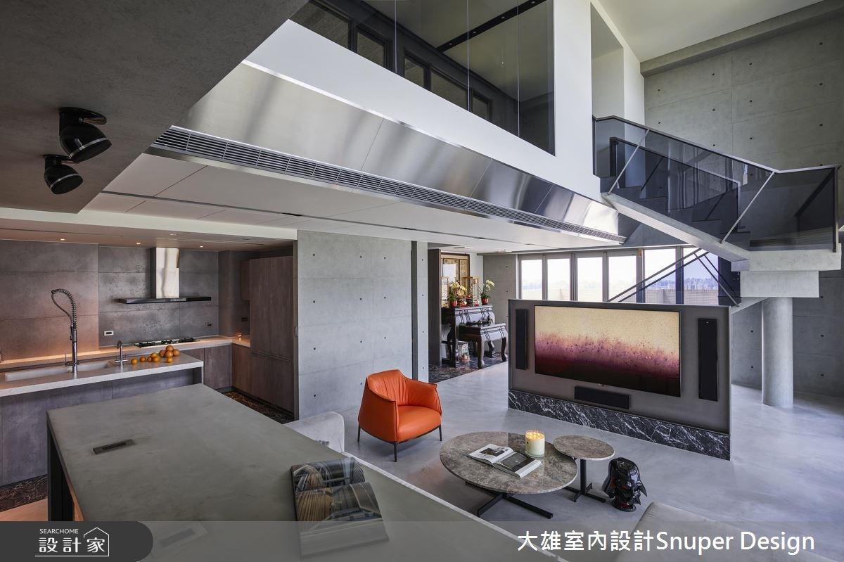 凝視生活的美好本質!與 70 坪現代風樓中樓的剖面對話