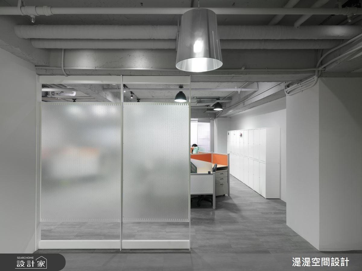 一個月效率完工!深獲員工好評的玻璃屋辦公室