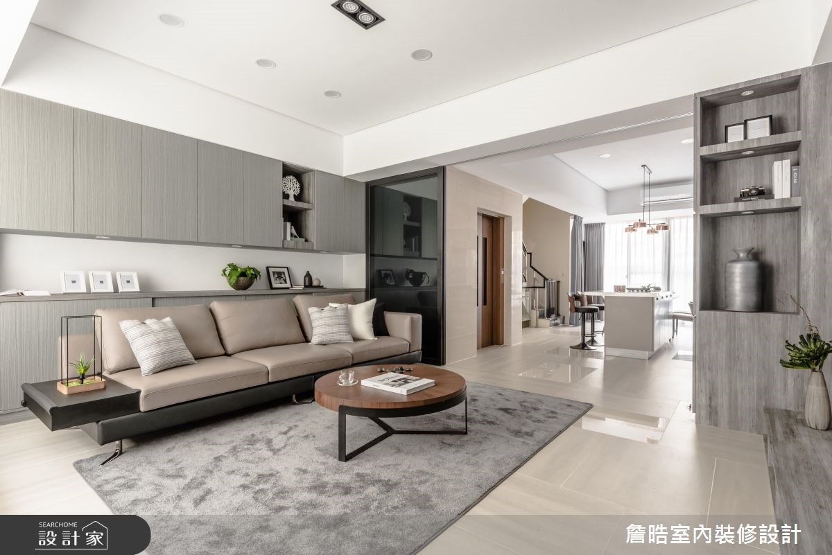 灰色貫穿多層次格局!海量收納的現代風透天別墅