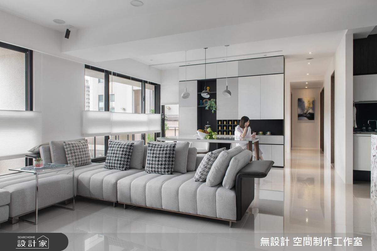 淺嚐綠色景觀陽台!小家庭與日光共住黑白宅邸
