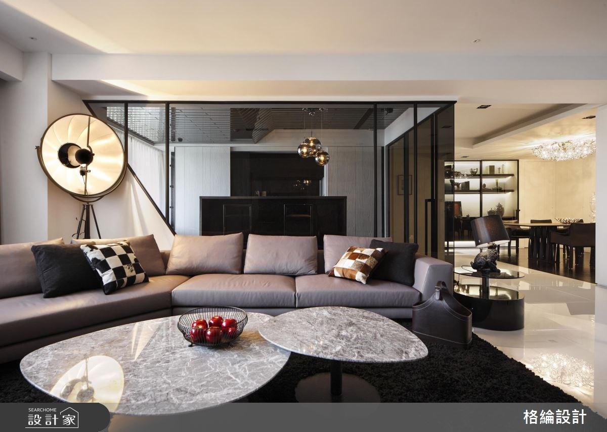 欣賞黑白的時尚大秀!步上現代宅的明亮伸展台