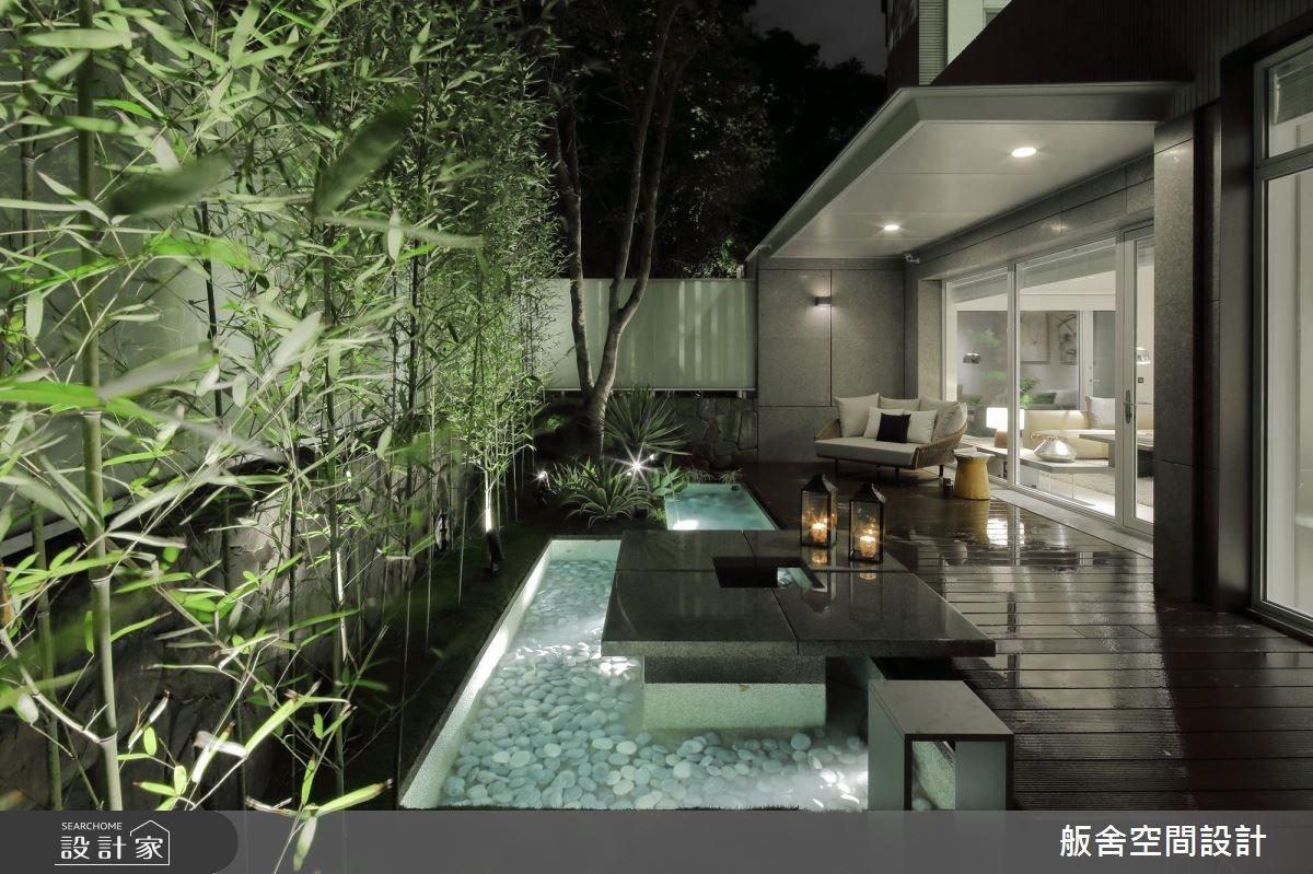把熱帶景觀搬進室內!5 層樓現代風豪邸綠意叢生