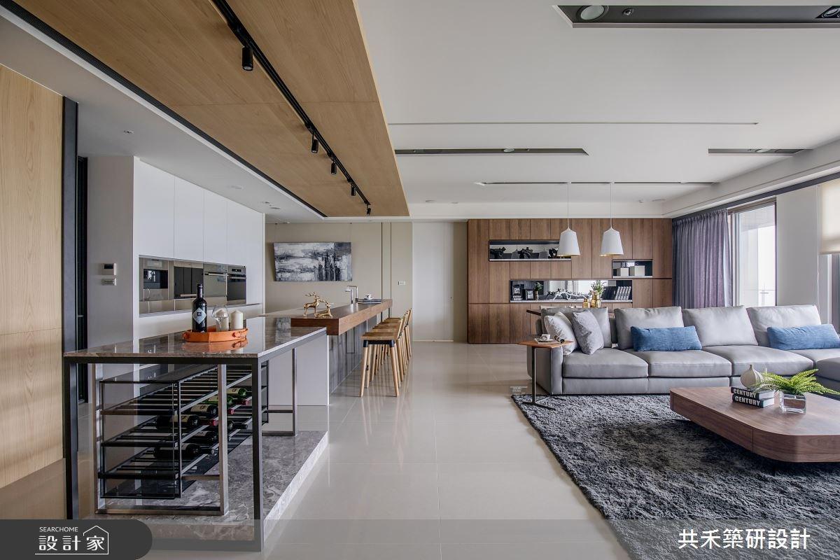 閒置空間怎麼改造?長吧檯、更衣室都有的小家庭機能宅