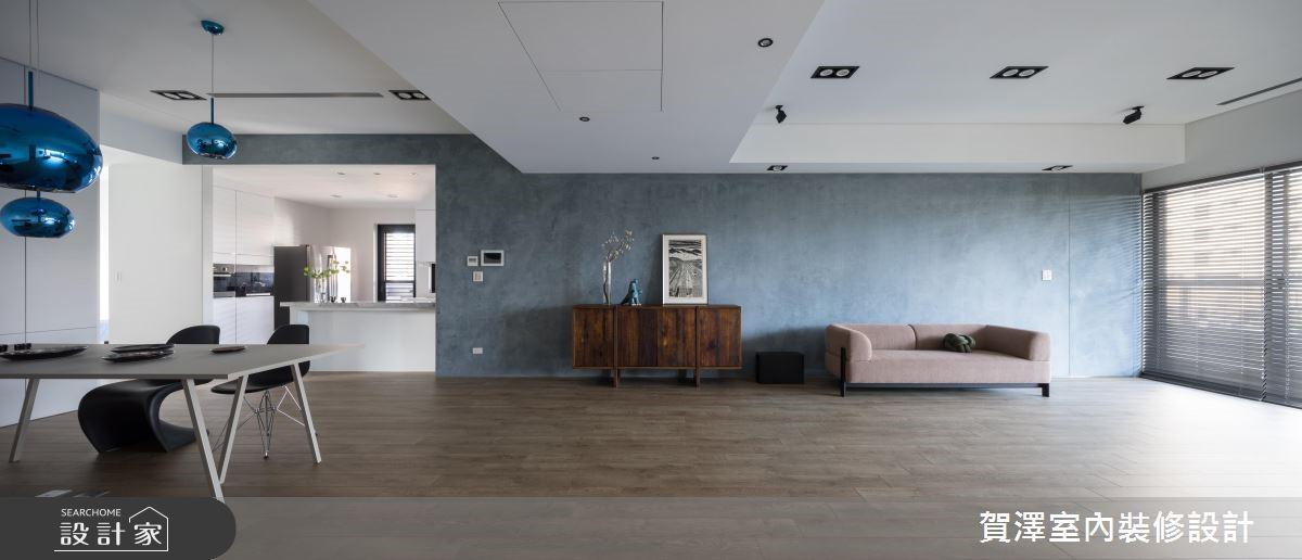 100坪設計總監的家!用極簡風+經典設計單椅打造湛藍光韻
