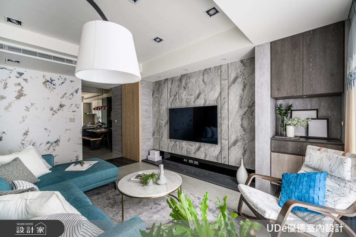 40年長型老屋改造變日光空氣宅!湛藍色系與植栽綠意展現絕美設計