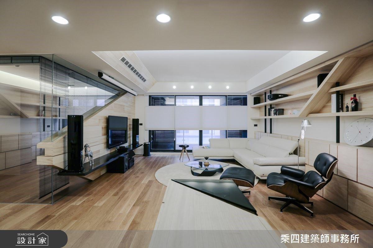 斜切半透明的電視牆?在暖木 + 純白系現代家居享受電影院好時光