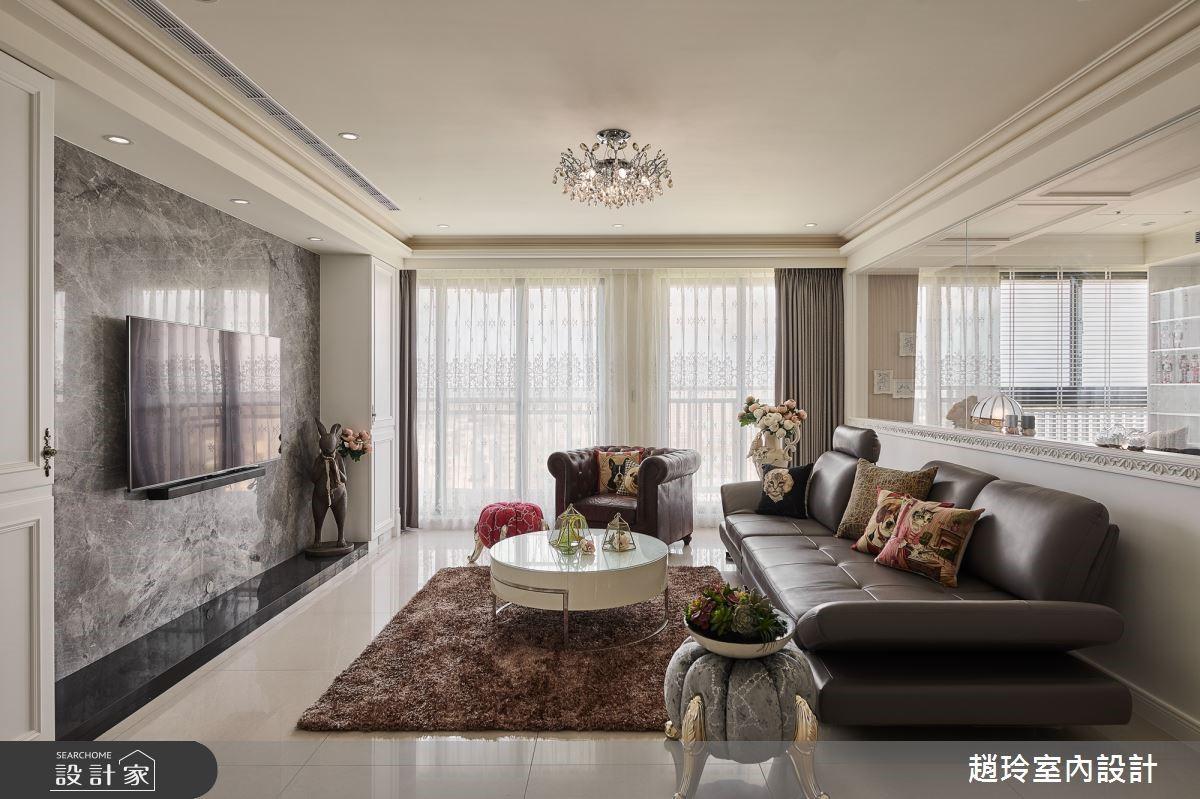我家就是豪門!45坪白色系新古典風的瑰麗雍容,金色拱門還隱藏小貓洞