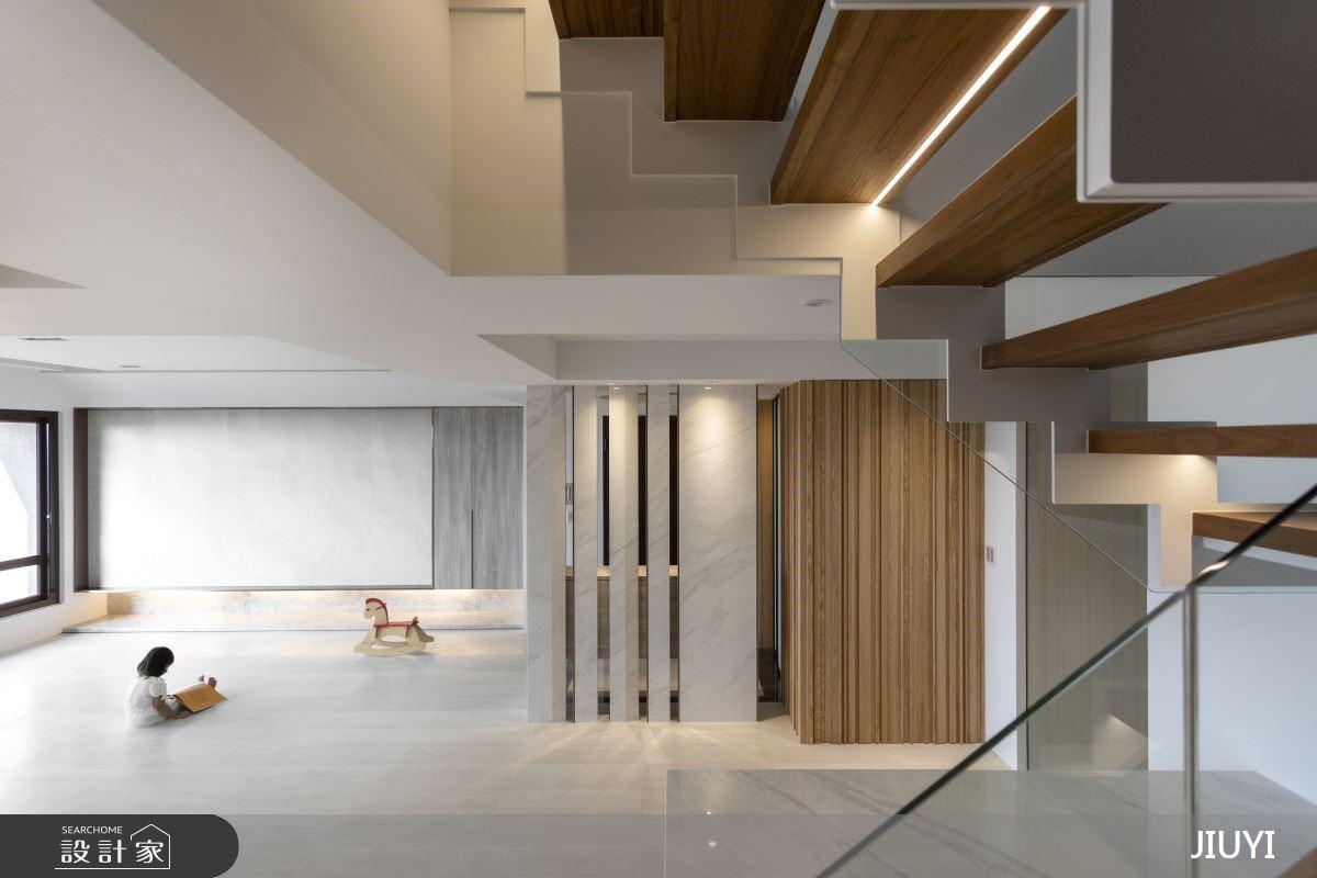 自然透亮光感家居,150坪暖木白系城堡樓中樓