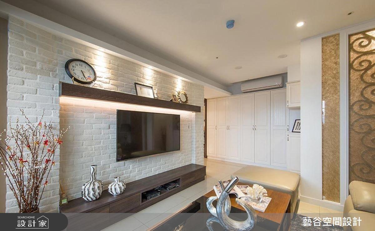 在臨窗景觀吧台喝咖啡?36 坪大地色系暖木質感休閒宅