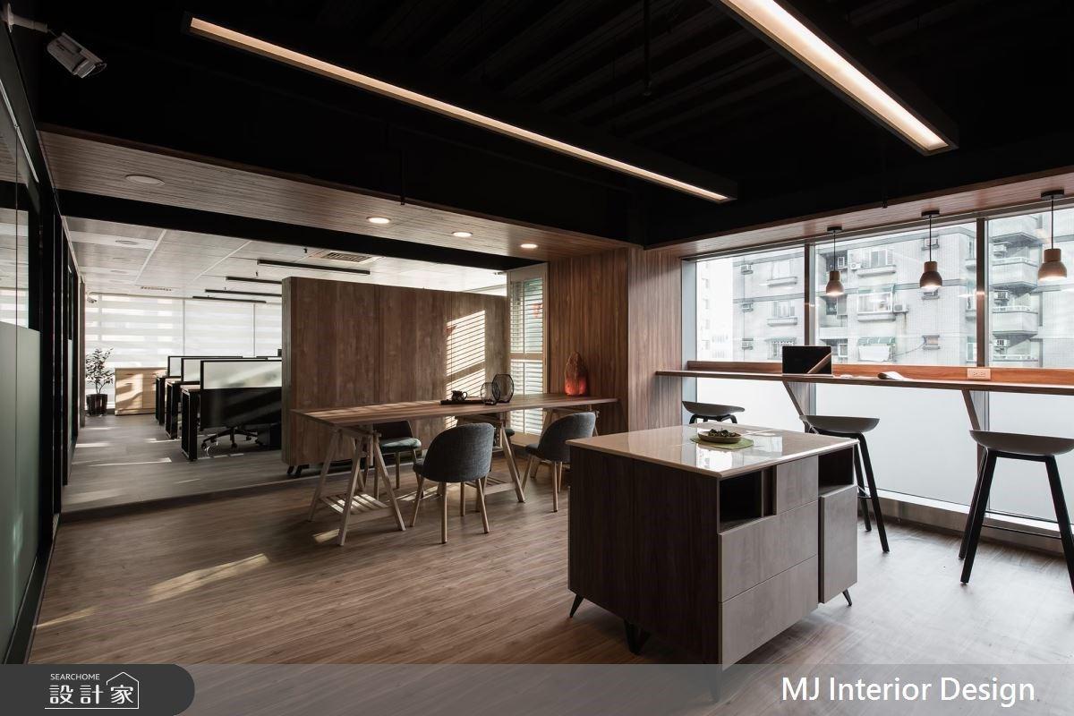 減壓辦公室!星巴克氛圍的律師事務所,讓人擁有好設計、好靈感