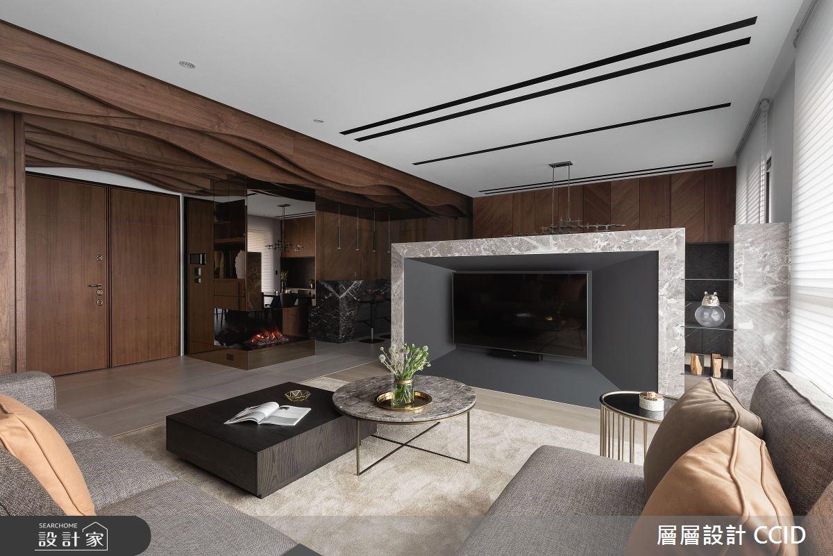 訂製百坪「飯店式豪宅」!木質波紋舞動大宅氣勢,異質材拼貼塑造高端質感