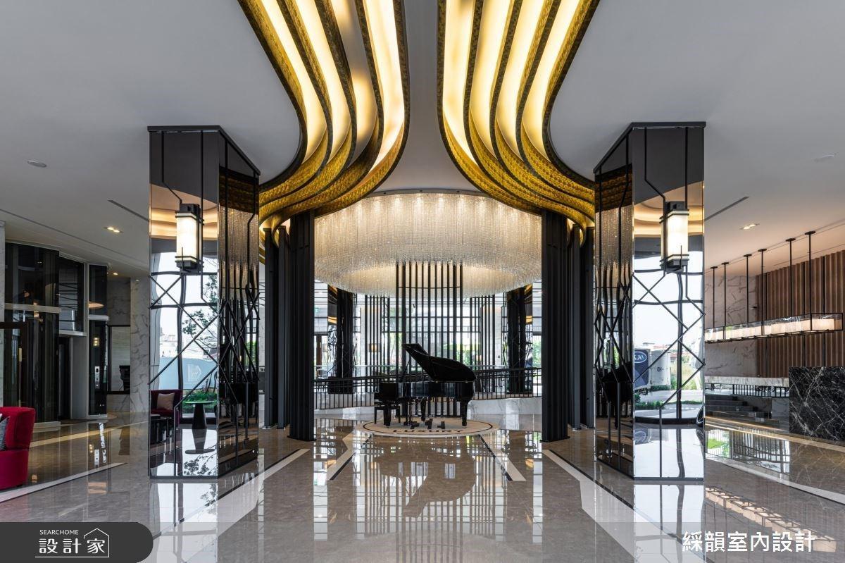 幾何設計串連鐵件、灰鏡與鍍鈦!超譯現代美學下的科技輕豪宅