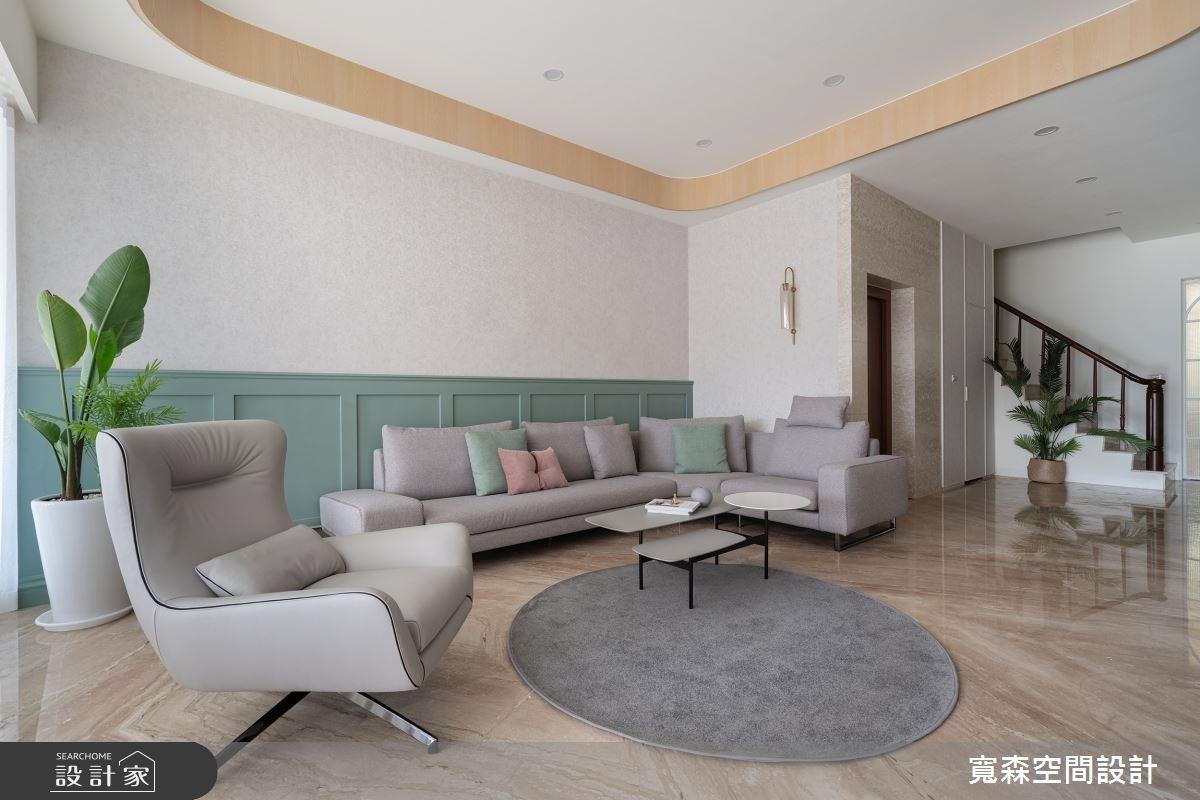 一進門就融化!冰淇淋色客廳 ╳ 古典風主臥,寫下 120 坪透天別墅的甜美與雅緻