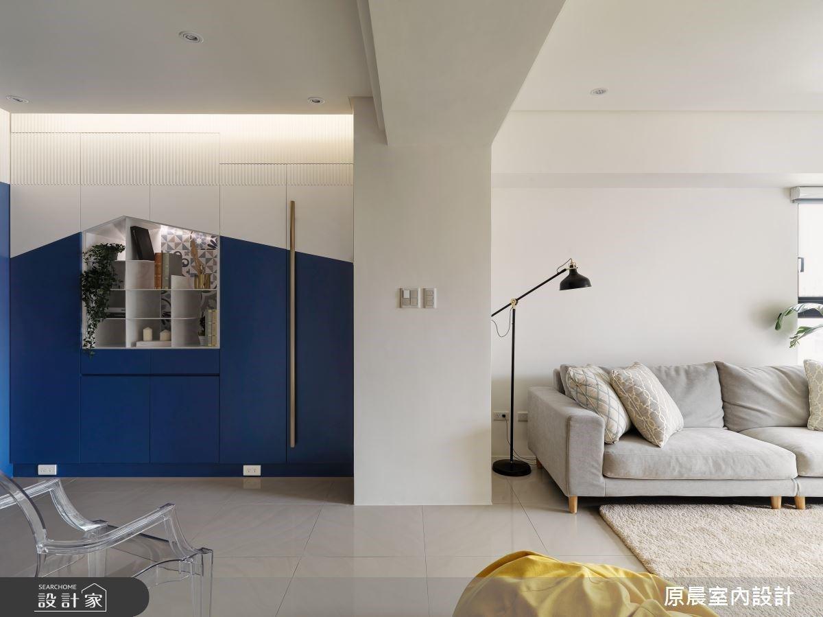 藍白色調X幾何切割展示櫃 打造寬敞明亮現代風私宅