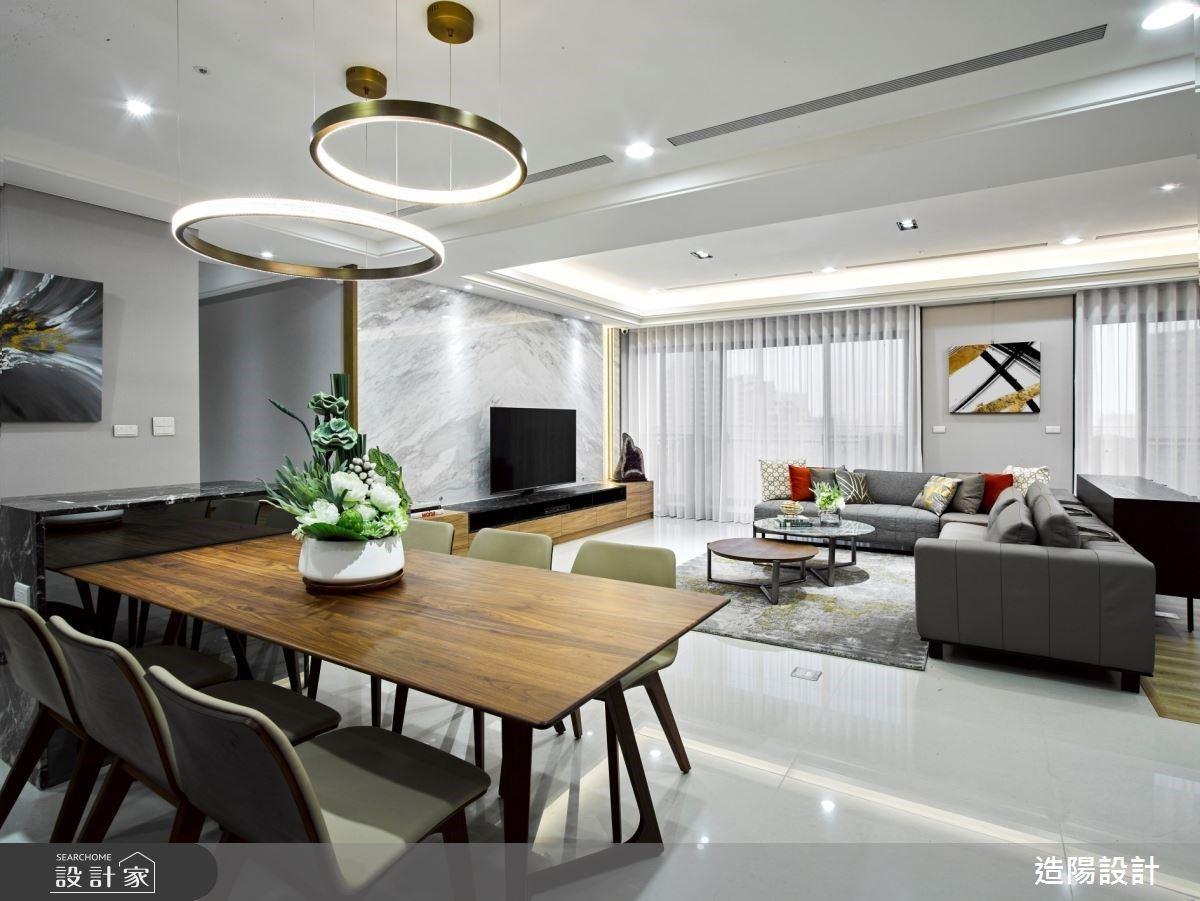 中島廚房+咖啡吧台打造退休宅經濟!雙客廳設計讓家人與親友輕鬆在此談天說地