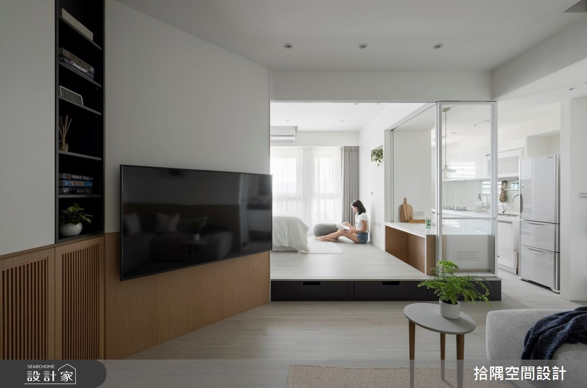 不可能只有 9 坪!優雅灰藍、輕木質與光感混搭,自帶俐落收納的小坪數居家