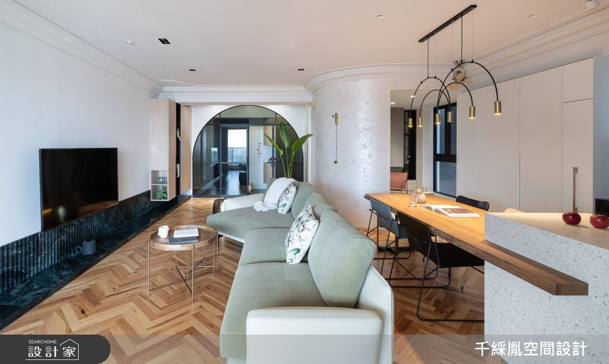 穿越夢幻圓拱門來到室內設計師的家!二進玄關、獨立貓屋、多功能房全都互通有無