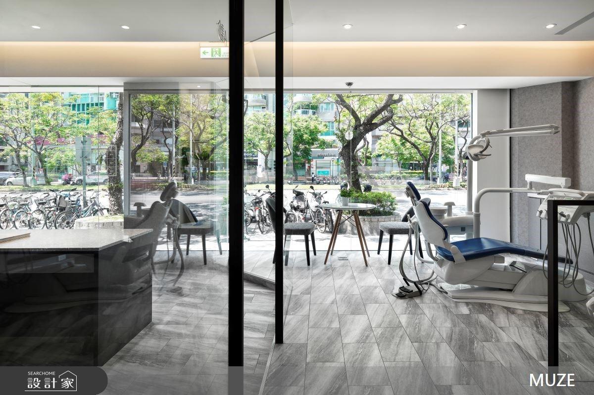 攬盡綠意!30坪老屋藉由通透格局也能打造明亮安心的牙醫診所