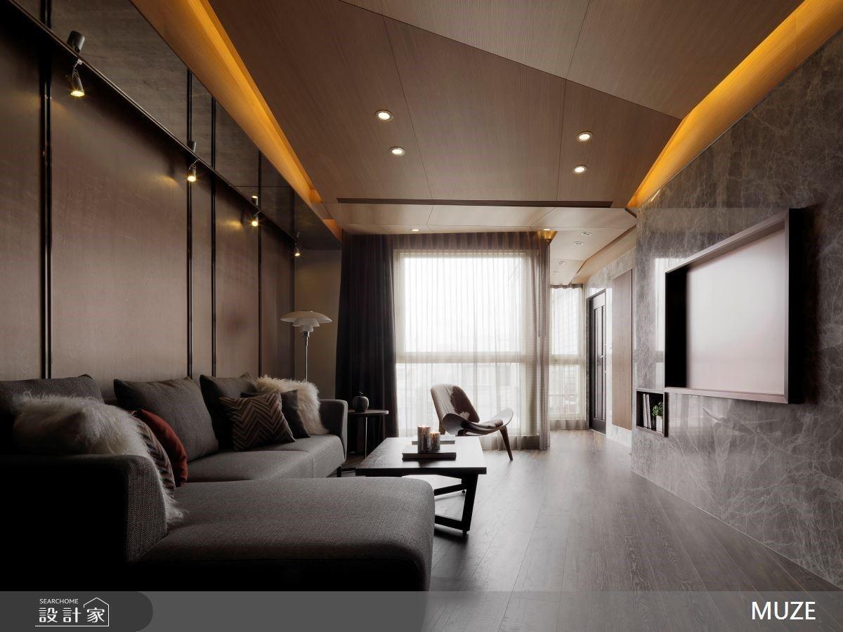 木作貼皮包覆天花、木地板鋪陳地面型塑暖心設計,40 坪老屋改造成現代風裡的經典
