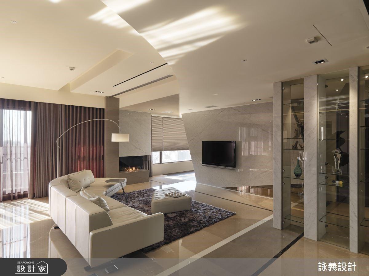 實現奢華風的曼哈頓豪宅設計!時尚壁爐、中島吧台創造美劇既視感