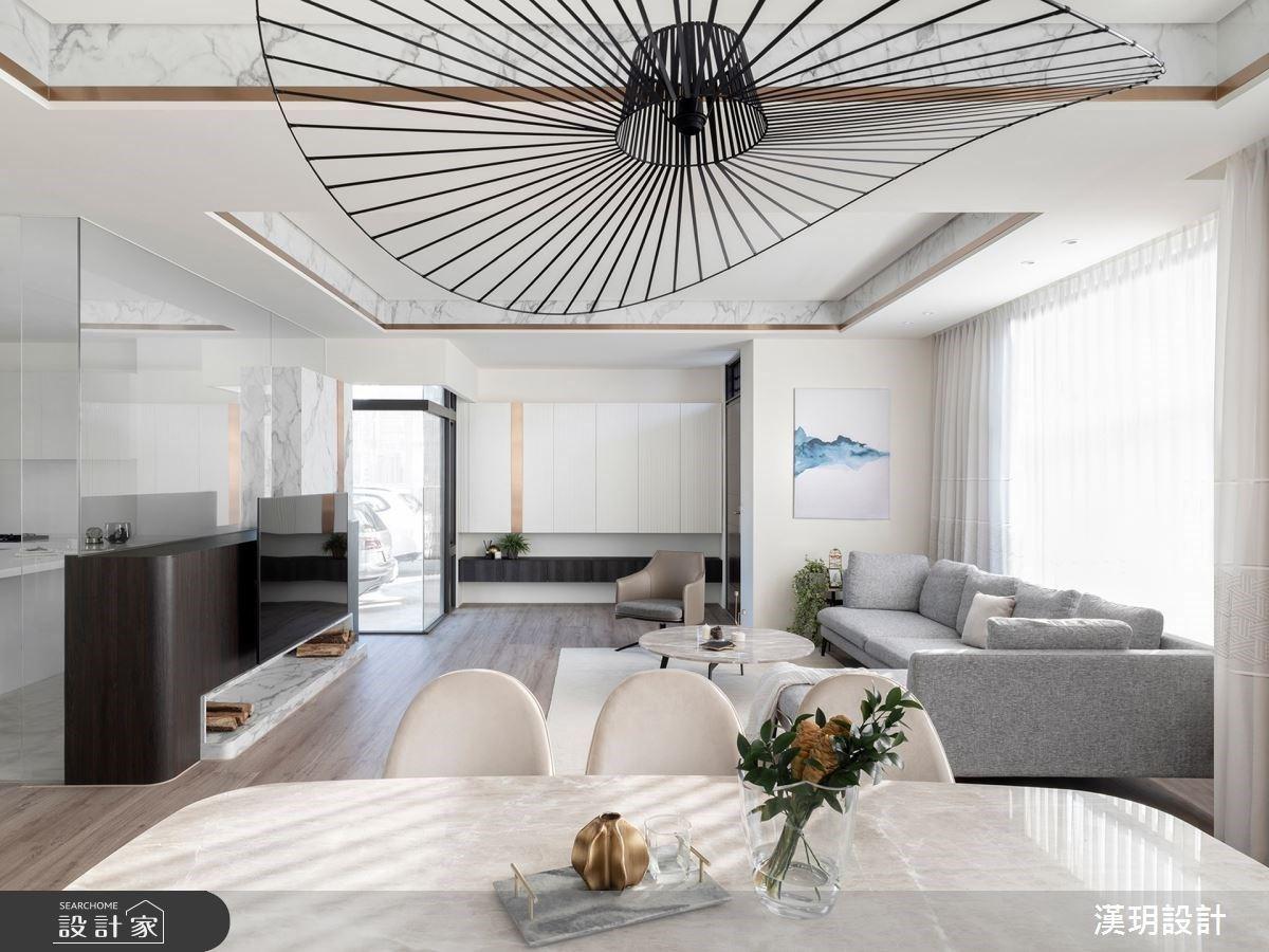 沿牆線規劃系統櫃!57 坪透天別墅以光為師,輕裝修就能打造看不膩的簡約風