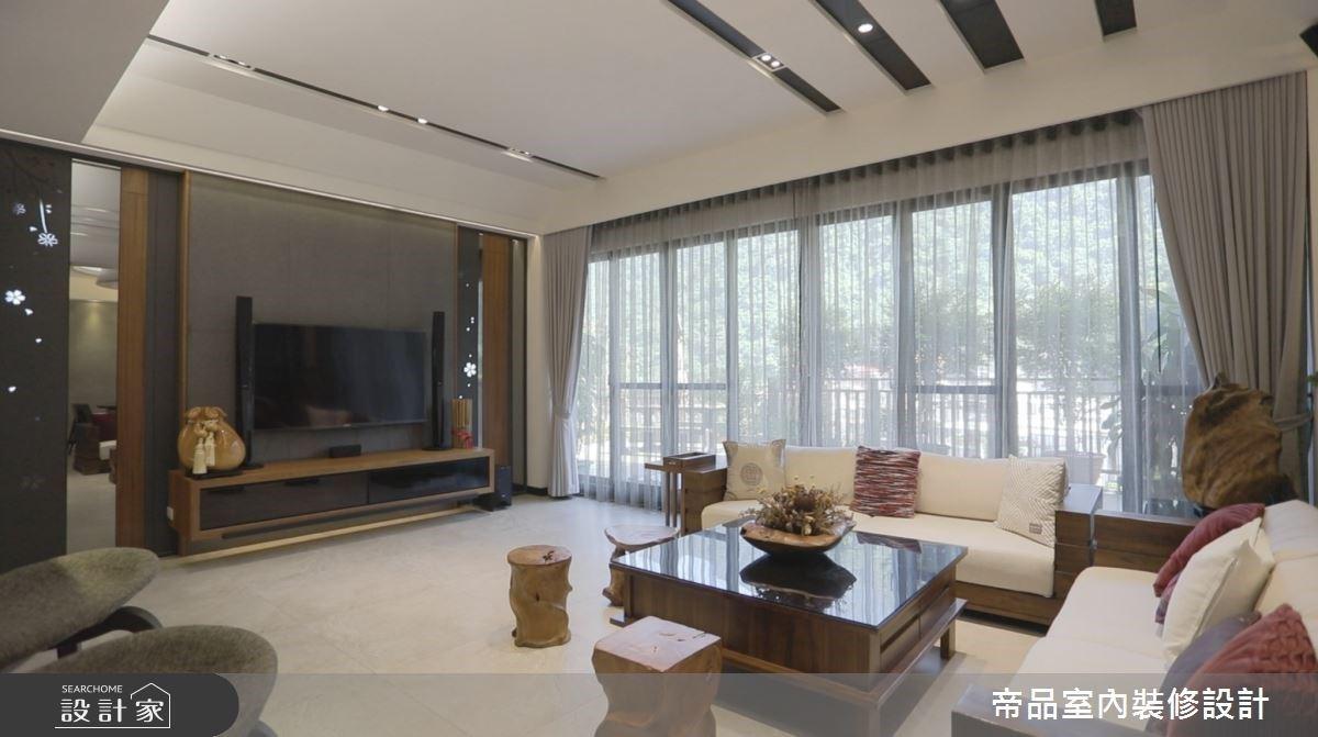 伴隨綠意光景的現代風別墅!無隔閡屏風拉近 120 坪豪宅生活距離
