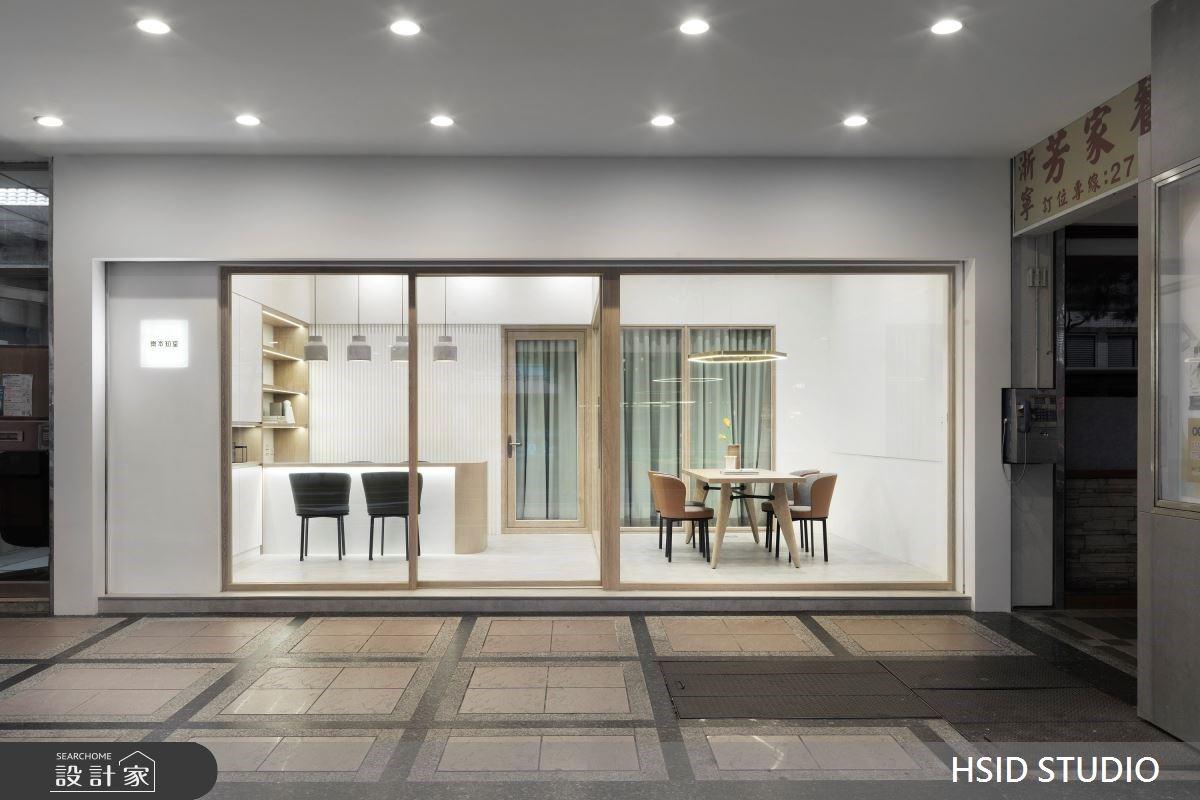 彷彿來到日系文青咖啡廳!徜徉純白和清新木質的補習班設計