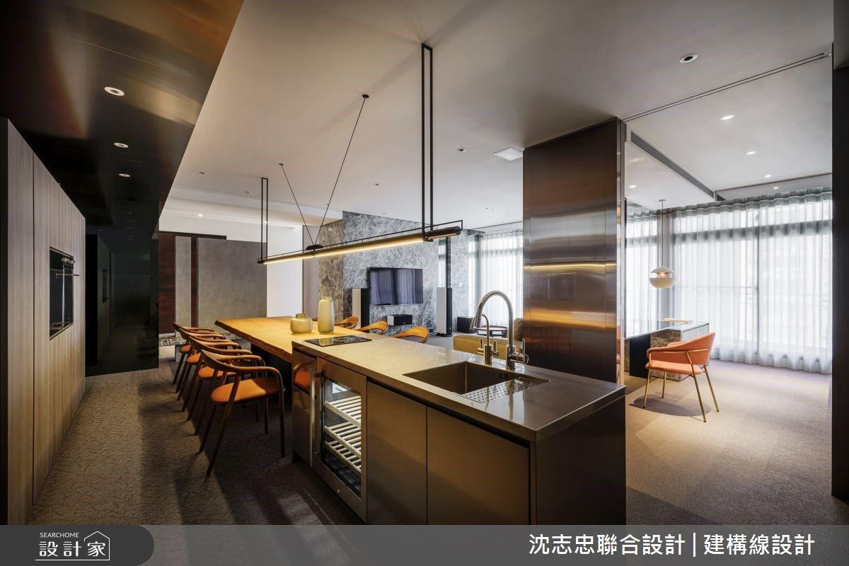 長餐桌與中島放大空間感受,細膩材質規劃展現精品現代風