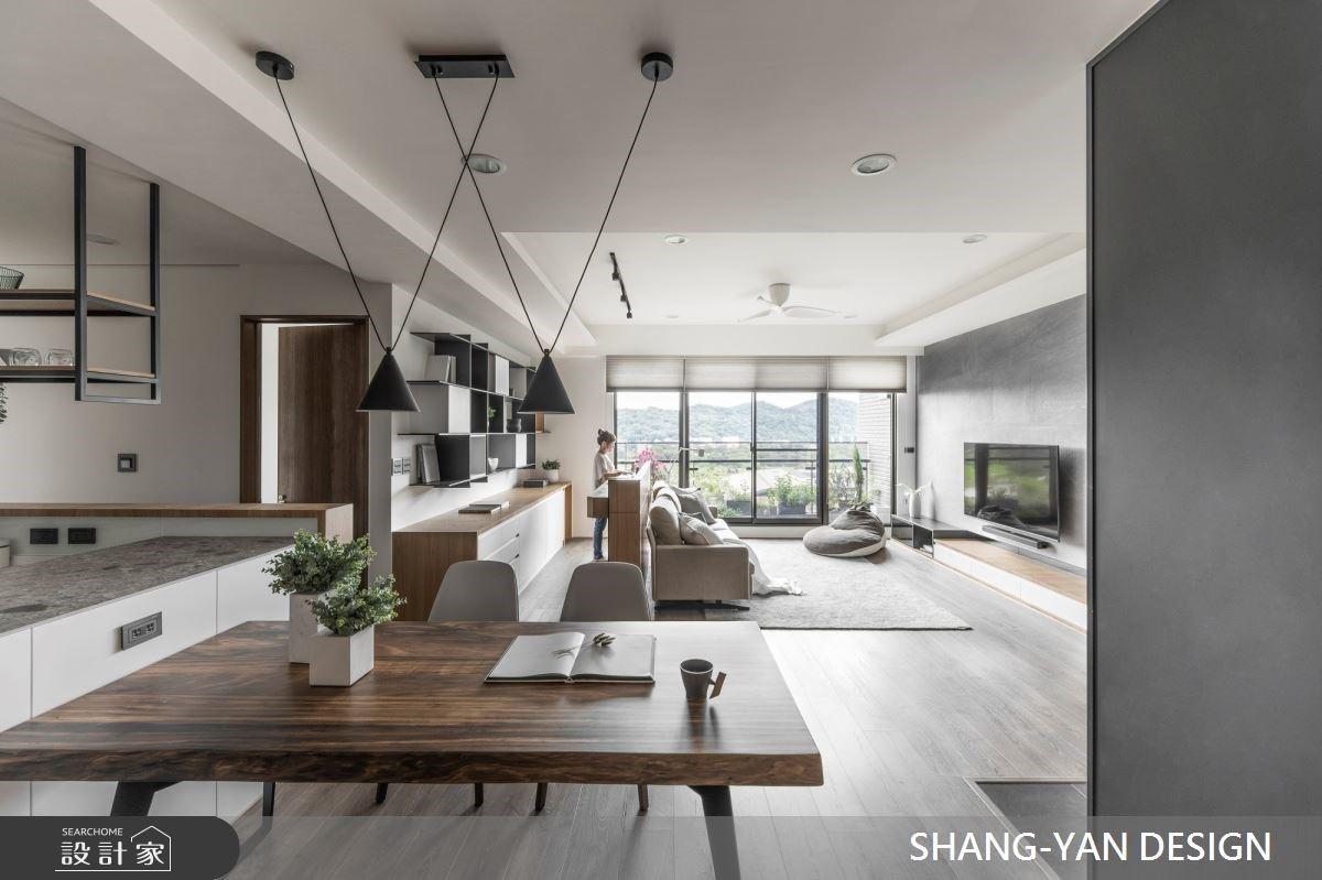 大面開窗遇見美好山景,以清新純白、木質交織的57坪溫潤居家