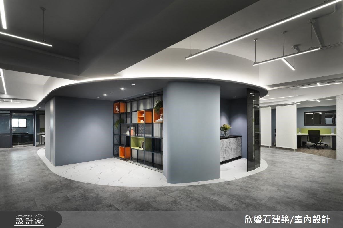 遊走光影律動的工作日常!俐落現代風形塑強烈設計感的辦公空間
