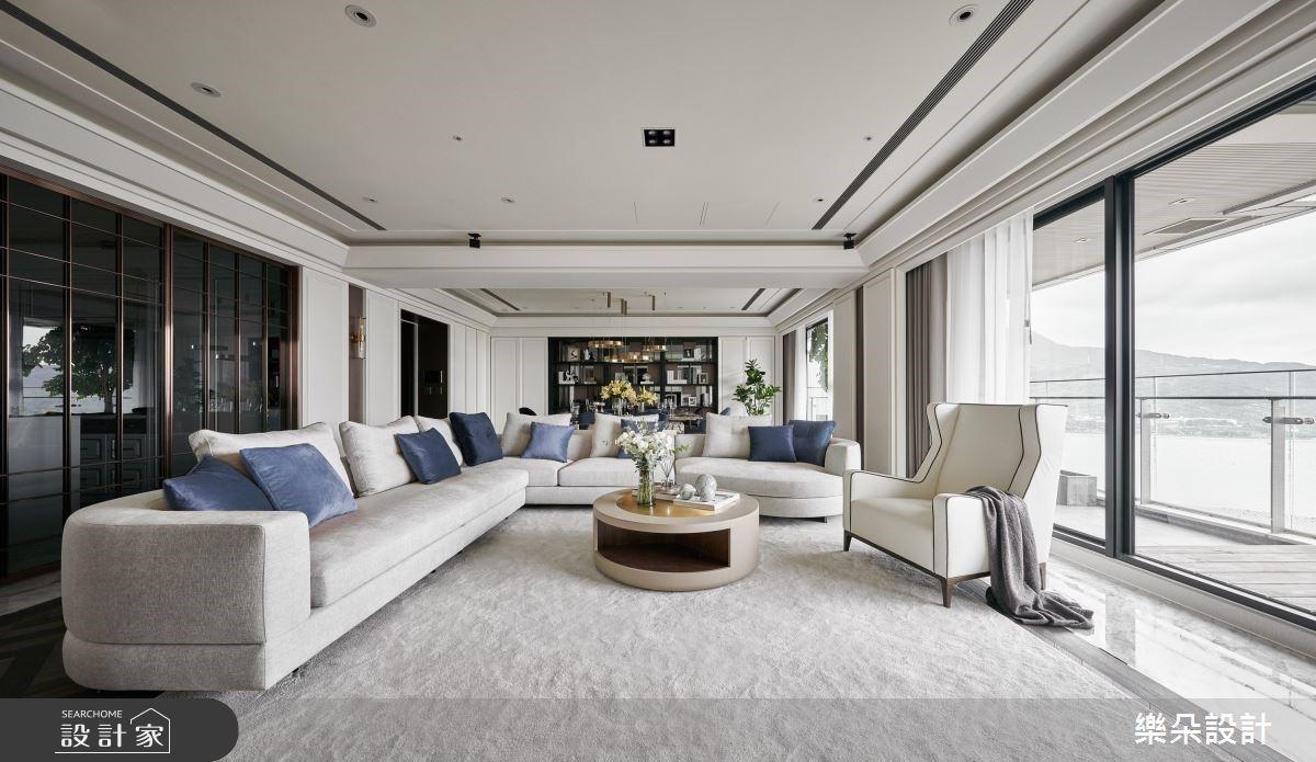 在家就能看見海!客廳面向遼闊海景,60 坪現代風住宅裡的生活比度假還奢華
