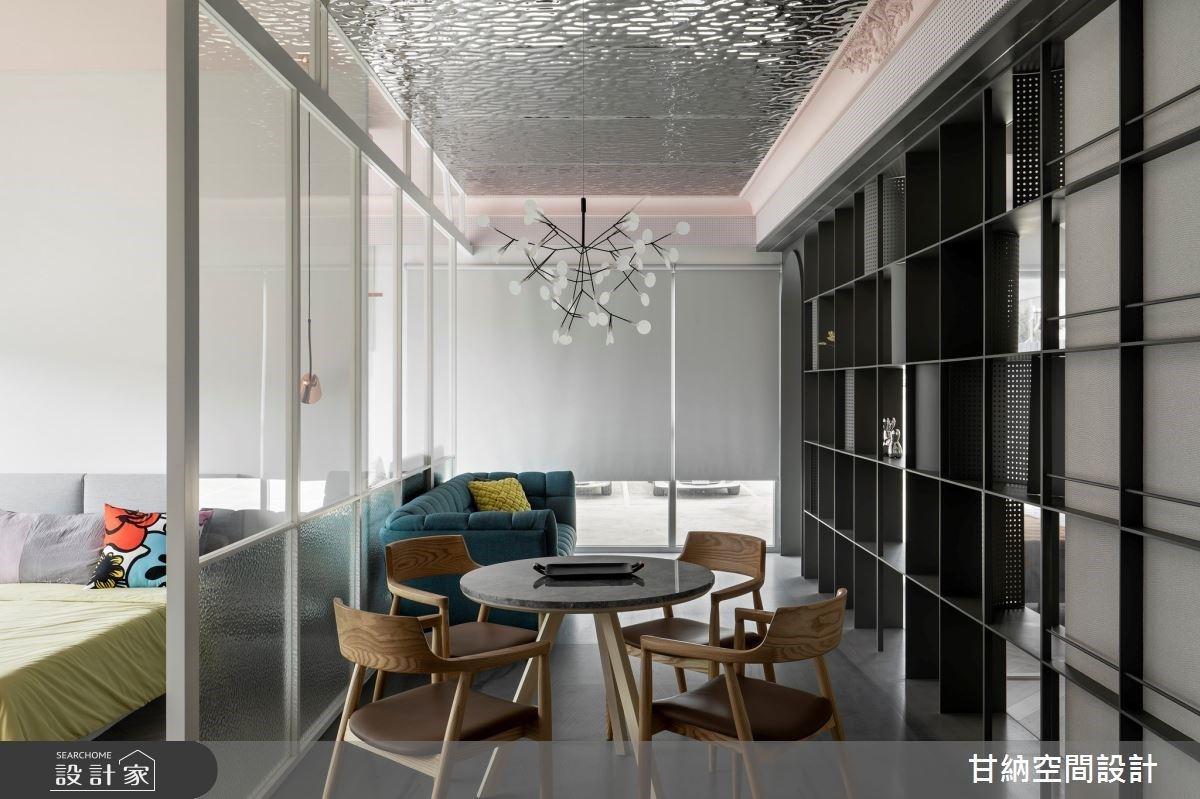 鐵件框架與玻璃形塑家之光廊!虛化牆體設計讓邊角與單面採光住宅全室透亮
