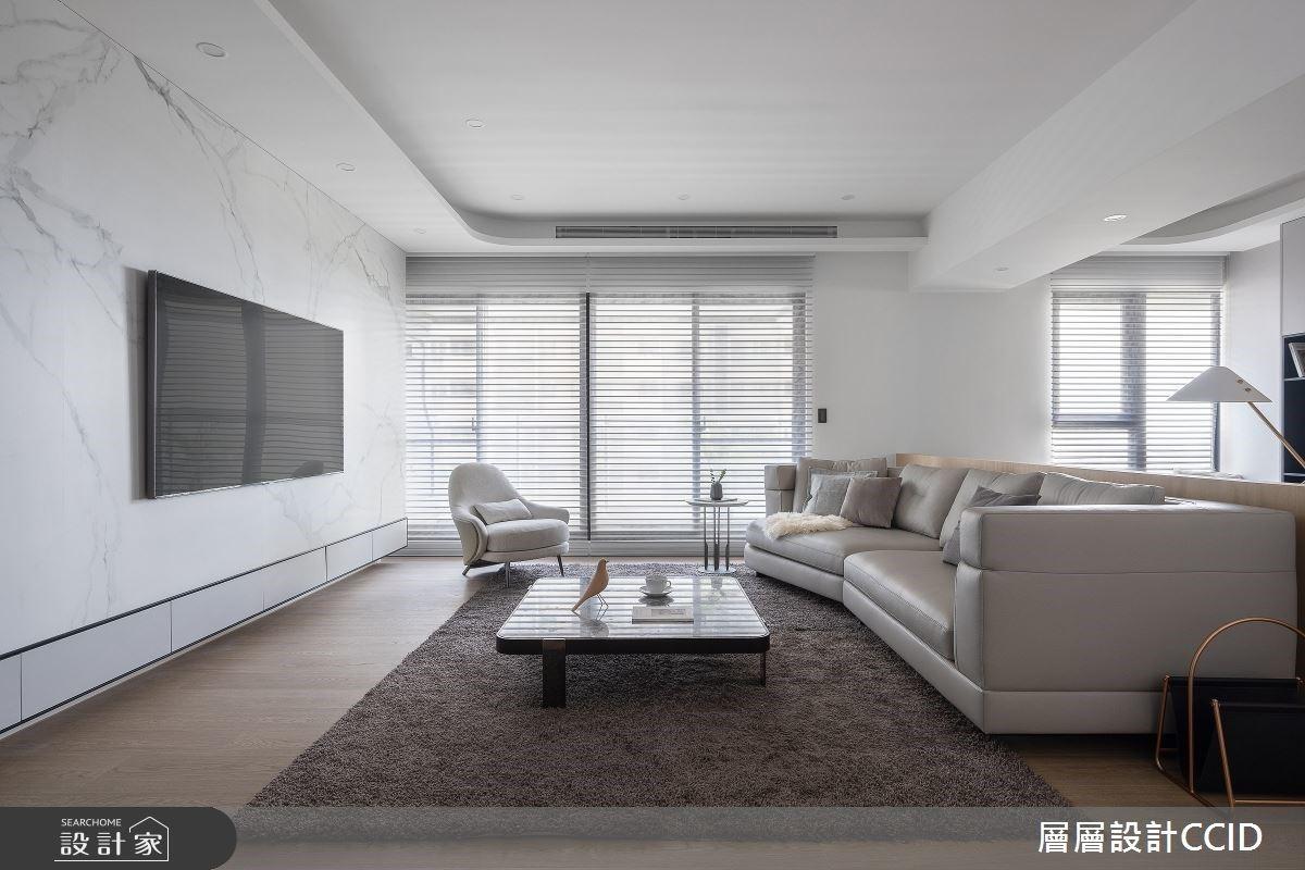 弧線與幾何線交織室內線條,堆疊居家空間的白色層次藝術宅