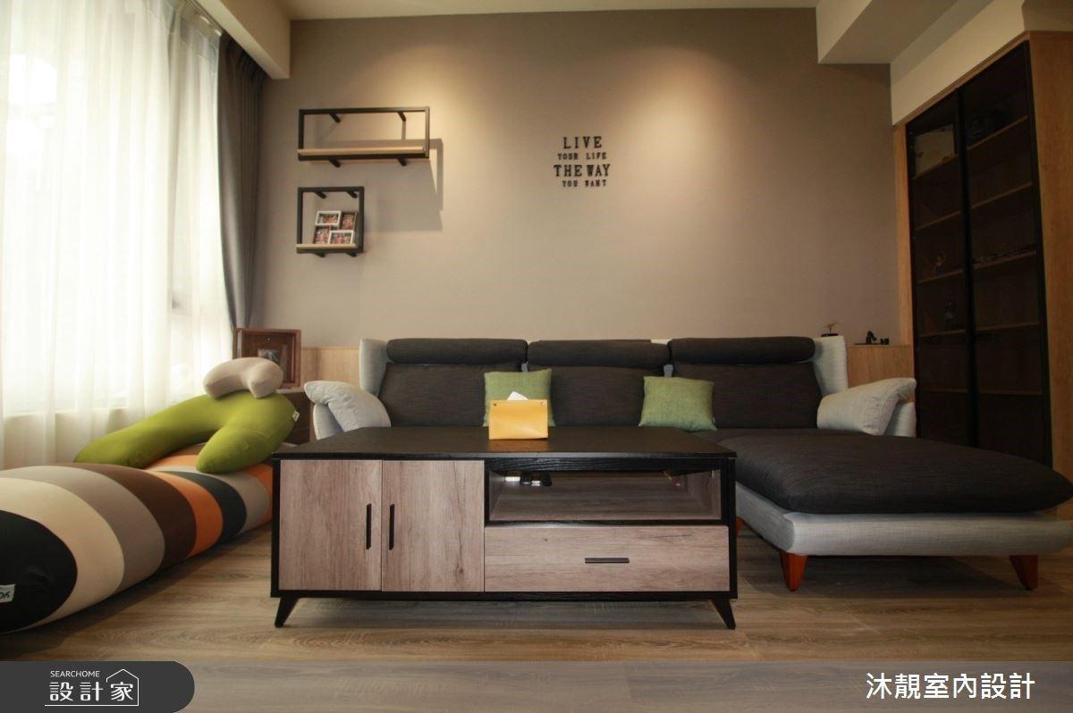 第一次買房裝潢就成功!輕工業風透天別墅,淺木質調與文化石寫下率性魅力