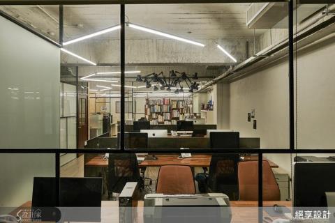 原力覺醒,打造滿滿懷舊能量的工業感辦公室