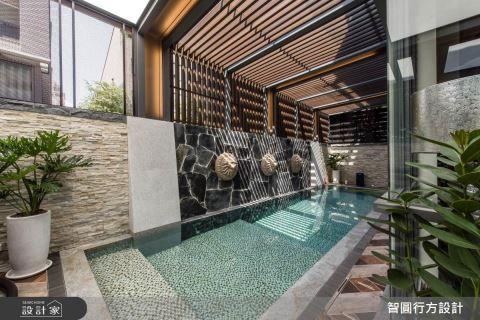 放一個游泳池在庭院!我家也有異國度假陽光屋