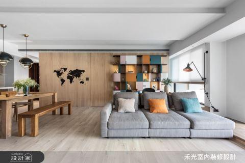 彩色書櫃斜屋頂,微調牆面綻放家的美好