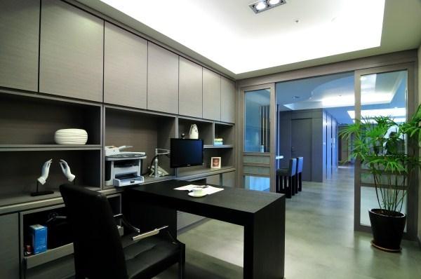 110坪新成屋(5年以下)_現代風案例圖片_易向室內設計有限公司_易向_01之3