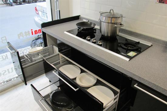 一太e衛廚itai-一太日本原裝鋼烤黑色L型+紅色中島廚具-毅太總代理 Housetec日本原裝鋼烤黑色L型+紅色中島廚具,一太e衛廚itai,