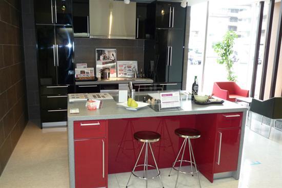 一太日本原裝黑色一字形+紅色中島-廚房設備