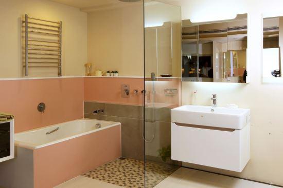 HOUSESTYLE-三門鏡櫃附燈-浴櫃