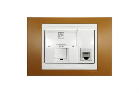Plus網路/電話接頭(二合一附蓋板)-插座、開關