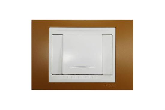 Plus單切冷光LED型開關 (三路、附蓋版)-插座、開關