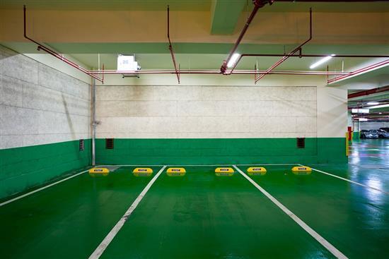鑽泥板-高好感度地下停車設計-耐燃木絲水泥板